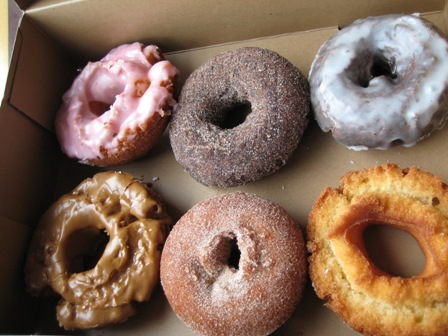 Difference Btween Yeast And Cake Donuts